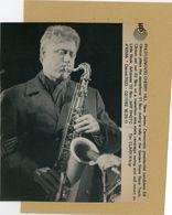 PHOTO PRESSE  BILL CLINTON  Saxophoniste , Homme Politique - Personnes Identifiées