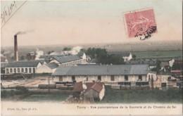 P22-28) TOURY (EURE ET LOIR) VUE PANORAMIQUE DE LA SUCRERIE ET DU CHEMIN DE FER - Autres Communes