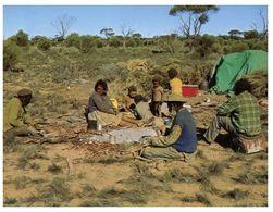 (B 6) Australia - Aboriginal Family - Aborigenes