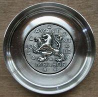 COUPELLE AVANT LION LE MELHOR A. AUGIS. EDIT RAVEL DESS . ( EN METAL ARGENTE Poinçon F.I.A ) - Other