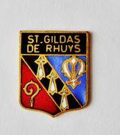 Pin's Blason Ville Saint Gildas De Rhuys - Bretagne R35 - Città