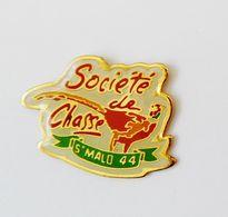 Pin's Ville Saint Malo Société De Chasse Faisan - Bretagne R35 - Villes
