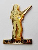 Pin's Modélisme 35 - Bretagne R35 - Pin's