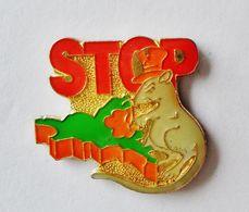 Pin's Carte Bretagne Stop Aux Rongeurs - Bretagne R35 - Animals