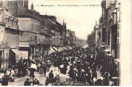 FR03 MONTLUCON - Jour De Marché Rue De La République - Animée - Belle - Montlucon