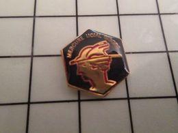 316a Pin's Pins / Rare & Belle Qualité !!! THEME : VILLES / GISORS MERCURE UCIAL DIEU ROMAIN DES COMMERCANTS ET DES VOLE - Photographie