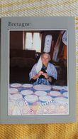 CPM IMAGES PAYS BRETON LE SAVOIR FAIRE D UNE BRODEUSE ED JACK 1989 METIER ARTISANAT BRETAGNE - Artisanat