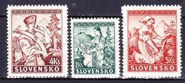 Slovaquie 1939 Mi 43-5  (Yv 47+51-2 ), (MNH)** - Slovaquie
