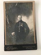 Photographie Ancienne Cartonnée Militaire Décoré Photographie De La Marine H. LEMESRE CALAIS - Krieg, Militär