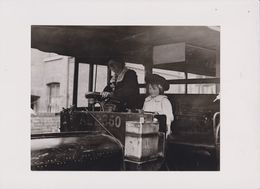 TAI / MOTORBUS DRIVER GIRL AT BOSTON   21*16 Cm Fonds Victor FORBIN (1864-1947) - Cars