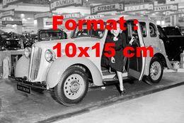 Reproduction D'une Photographie Ancienne D'une Morris 12 HP Au Salon De L'automobile De Londres En 1937 - Reproductions