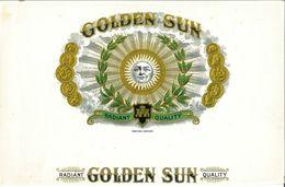 VINTAGE - ETICHETTE PER SCATOLE SIGARI - GOLDEN SUN RADIAND QUALITY-  QUALITA' 10/10 FTO 26X16,5 ORIGINALE, RILIEVO - Etiquettes