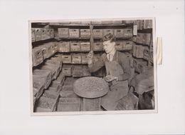 LONDON BOTTLE EXCHANGE BLACKFRIARS STOPPERS   20*15 Cm Fonds Victor FORBIN (1864-1947) - Mestieri