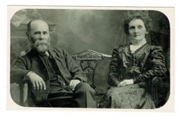 Ref 1378 - Early Real Photo Fashion Social Postcard - Elderly Couple On Bench - Fotografía