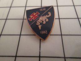 316a Pin's Pins / Rare & Belle Qualité !!! THEME : MILITARIA / INSIGNE UNITE ? 1932 1992 CROIX PATTEE ET HEAUME Sweet He - Militaria