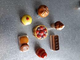 Lot De 7 Fève Pâtisserie, Gâteau, - Santons/Fèves