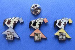 Lot De 3 Pin's,LEYSIN ROCK VESTIVAL 92,VACHE,KUH - Pin's