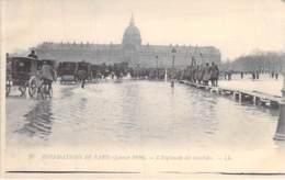 75 - PARIS 07 ème - INONDATIONS De JANVIER 1910 : L'Esplanade Des Invalides - CPA - Seine - De Overstroming Van 1910