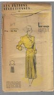 Robe De Crêpe Bleu Marine à Boutonnage Oblique Les Patrons Sélectionnés De La Mode Parisienne Année 1930 - Patrons
