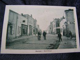 C.P.A.- Marans (17) - Rue D'Aligre - Charcuterie - 1920 - SUP - (DH 61) - Autres Communes