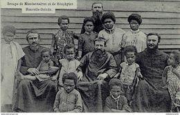 NOUVELLE GUINEE - GROUPE DE MISSIONNAIRES ET DE NEOPHYTES - Papua New Guinea