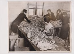 SILVER PAPER COLLECTED FOR HOSPITALS WEST LONDON REFINING COMPANY   25*20 Cm Fonds Victor FORBIN (1864-1947) - Profesiones