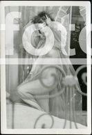 PIN UP EROTICA SEX EROTIC NUDE WOMAN NACKT FEMME FRAU NU NAKED EROTIQUE NUE EROTIK SEXY PHOTO FOTO NK305 - Pin-up