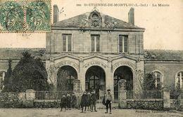 St Etienne De Montluc * 1907 * Place Et La Mairie * Enfants * école Communale * Justice De Paix - Saint Etienne De Montluc