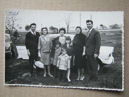 Serbia / Zrenjanin - Motel, Family, Cars ( Real Photo ) - Servië