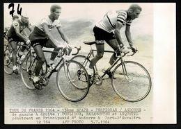!! ANDORRA Rare Tour De France 1964  13èEtape POULIDOR BAHAMONTES ANQUETIL Dans L'Envalira  ANDORRE PHOTO ORIGINALE  AFP - Cyclisme