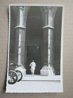 Austria / Vienna - Entrance To The Cathedral ( Real Photo 1966 ) - Vienna Center