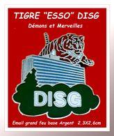 """SUPER PIN'S Carburants """"ESSO"""" : Visuel """"Le TIGRE"""" Symbole ESSO, Section DISG, Démons Et Merveilles, Email Grand Feu - Carburants"""