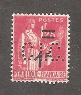 Perfin/perforé/lochung France No 483 C.I.C. Crédit Industriel Et Commercial (174) - France