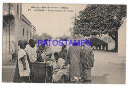 136737 AFRICA DAKAR SENEGAL COSTUMES SELLER OF COLA POSTAL POSTCARD - Non Classificati