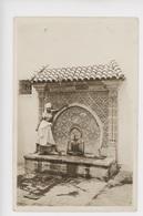 Types Mauresques (NU) Jeune Femme à La Fontaine (cp Vierge N°571 La Cigogne Alger) - Algérie
