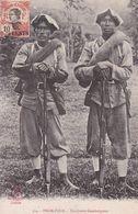 Pnom-Penh - Tirailleurs Cambodgiens La Pagode N° 334 Soldats Indochinois Cambodge Indochine Armée - Cambodia