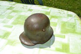 Stahlhelm Casque Allemand De 1916 Jus De Grange Verdun Première Guerre Poilu - Helme & Hauben
