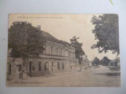 Noyant Hotel De Ville Et Gendarmerie  ( Tel Quel ) - Autres Communes