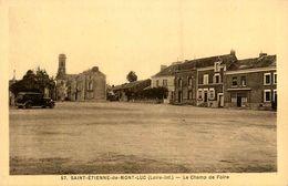 St Etienne De Montluc * Le Champ De Foire * Auto - Saint Etienne De Montluc