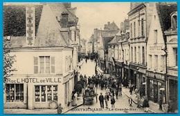 CPA 41 MONTRICHARD - La Grande Rue (Bazar De L'Hôtel-de-Ville, Coiffeur...) - Montrichard