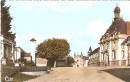 CORBELIN  . PLACE DE LA MAIRIE . COULEUR - Corbelin