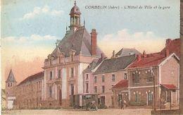 CORBELIN  .  L'HÔTEL DE VILLE ET LA GARE  TRAIN   .  COULEUR - Corbelin