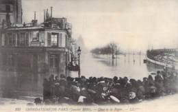 75 - PARIS 12° - INONDATIONS De PARIS ( Janvier 1910 ) Quai De La Rapée ( Attroupement ) - CPA - Seine - Alluvioni Del 1910