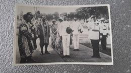 CARTE PHOTO - PHNOM PENH - CAMBODGE - VISITE LEOPOLD III ET ASTRID DE SUEDE FUTUR ROI ET REINE DE BELGIQUE - Cambodia
