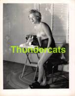 ANCIENNE PHOTO ANNEES 60 FEMME NU NUE EROTIQUE VINTAGE NUDE LADY FEMALE 1960'S PHOTO FOTO EROTIC 10 CM X 13 CM - Beauté Féminine (1941-1960)
