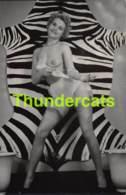 ANCIENNE PHOTO ANNEES 60 FEMME NU NUE EROTIQUE VINTAGE NUDE LADY FEMALE 1960'S PHOTO FOTO EROTIC 9 CM X 14 CM - Beauté Féminine (1941-1960)