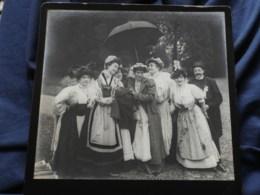 Photo Grand Cabinet Anonyme - Groupe En Costume Régional, Vendange, Ca 1895-1900 L514 (1) - Anciennes (Av. 1900)