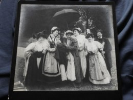 Photo Grand Cabinet Anonyme - Groupe En Costume Régional, Vendange, Ca 1895-1900 L514 (2) - Anciennes (Av. 1900)