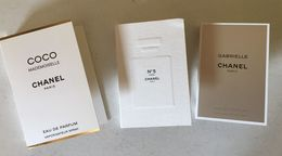CHANEL  : 3 Tubes échantillons Sur Carte (différents) - Muestras De Perfumes (testers)