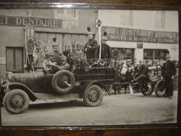 Carte-photo       EBREUIL     Carnaval 1932     Défilé Des Pompiers    (pliure Peu Visible) - France
